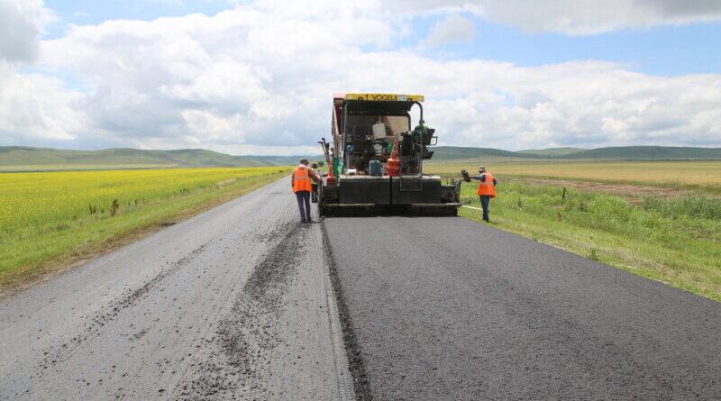 В Чеченской Республике в рамках нацпроекта ремонтируют четыре участка региональных дорог с применением современных технологий