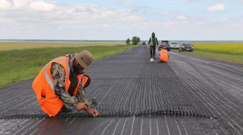Автодорогу Ищерская — Грозный ремонтируют с применением современных технологий