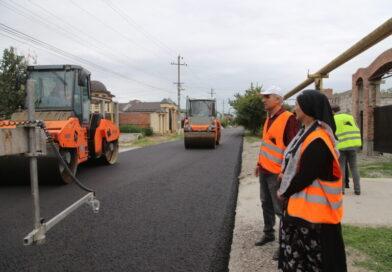 Общественники в Грозном проверили ход работ на улице Хаджиева