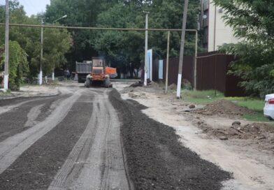 В Грозном в рамках дорожного нацпроекта ремонтируют улицу Абузара Айдамирова